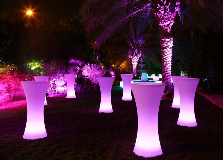 Bon Illuminated Glow LED Upright Bar Hire