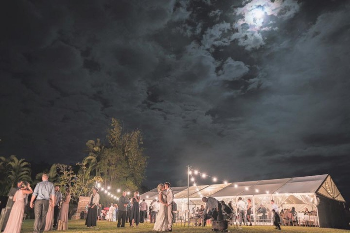 sunshine-coast-wedding-white-clear-marquee-hire-maleny-retreat-2