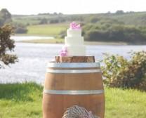 wine-barrel-cake-stand