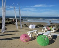 perry's-hire-beach-wedding