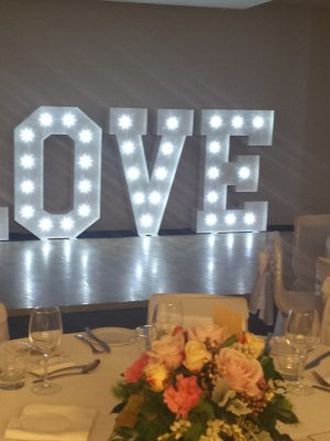 noosa giant letters love