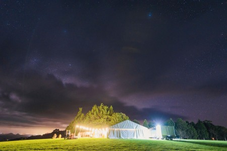 kate-dylan-sunshine-coast-wedding-hire-marquee-stars