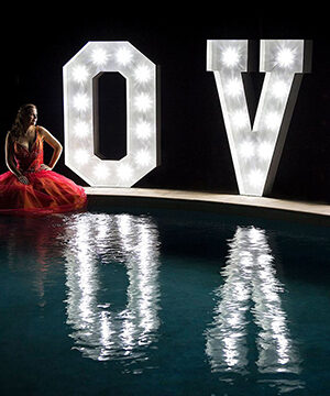 giant-letter-light-up-love-sunshine-coast-wedding